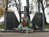 pomnik-13