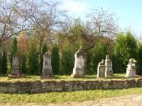 cholowice-lapidarium-przy-cerkwi-1-1